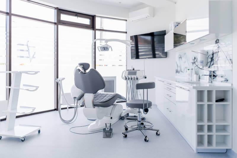 Como se clasifica el instrumental para odontólogos